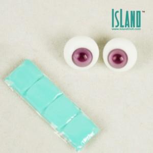 Eleanor's eyes