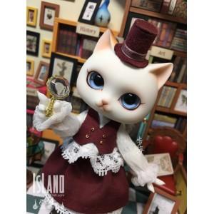 Lenore-Miss Detective Cat