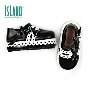 1/4 Amy's shoes